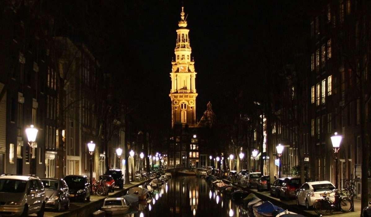 Cosa vedere ad Amsterdam canale notte