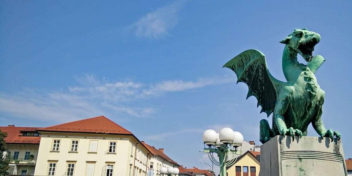 Cosa vedere in Slovenia statue ponte draghi Lubiana