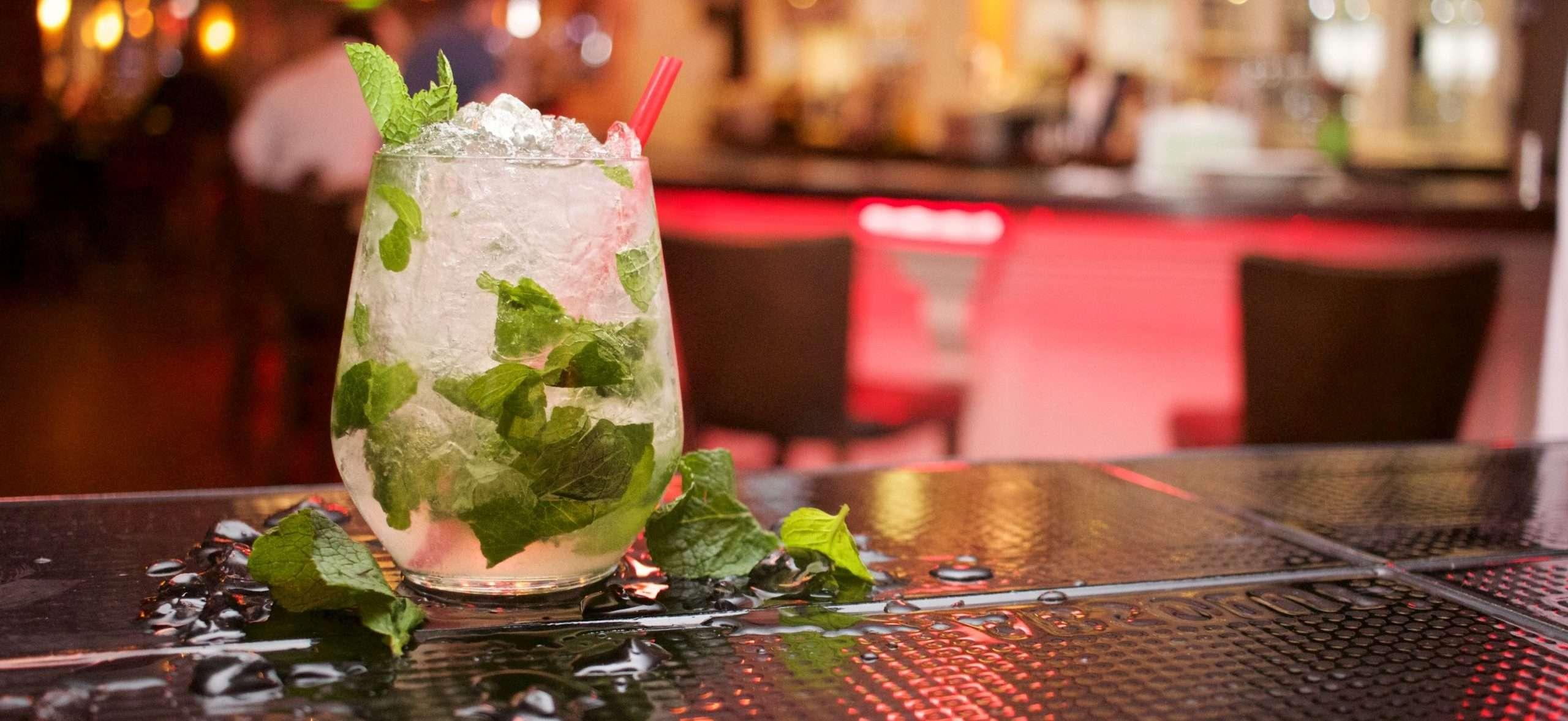 Cucina brasiliana Caipirinha cocktail drink
